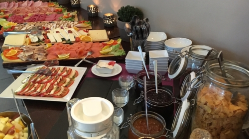 buffet-breakfast-1172151_1920